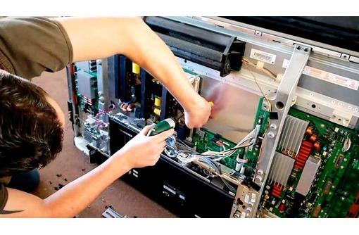 Профессиональный ремонт телевизора любой марки, фото — «Реклама Севастополя»