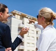 специалист по продаже недвижимости - Недвижимость, риэлторы в Симферополе