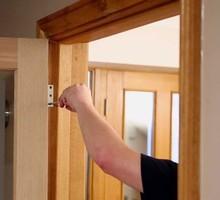 Мастерская установка межкомнатных, входных, дверей - Ремонт, установка окон и дверей в Симферополе