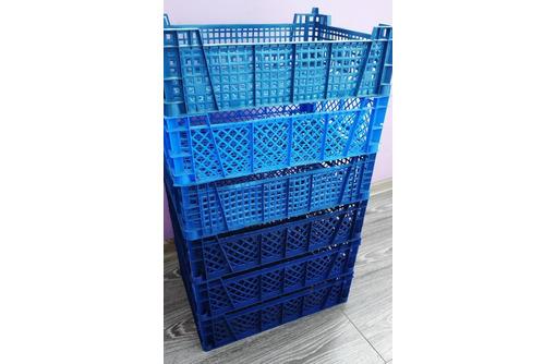 Продам/отдам уже готовые сколоченные поддоны и к ним пластиковые ящики от яблок - Садовая мебель и декор в Севастополе