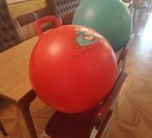 мяч  с ручкой для фитнеса - Спорттовары в Севастополе