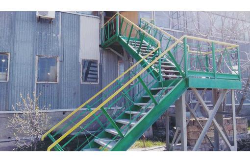 Изготовление металлических лестниц. Рубка и гиб ступенек и площадок. - Металлические конструкции в Севастополе