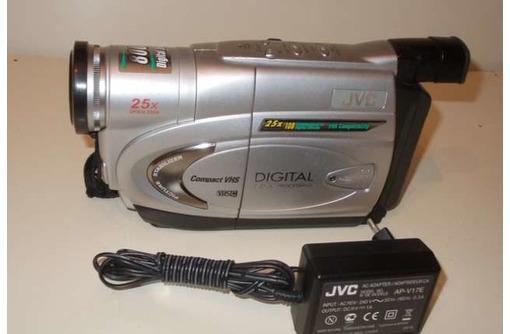 Японская видеокамера JVC модель GR-FX17E, фото — «Реклама Севастополя»