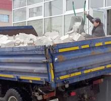Вывоз строительного мусора с погрузкой, демонтаж, доставка сыпучих материалов в Симферополе - Вывоз мусора в Симферополе