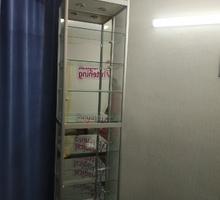 Витрина стеклянная с подсветкой и зеркалом - Специальная мебель в Феодосии