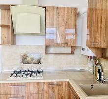 Продается просторная 2-комнатная квартира с качественным ремонтом в новом жилом комплексе - Квартиры в Крыму