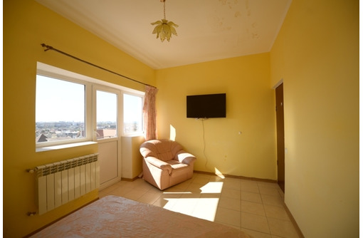 Продам работающий гостевой дом в центре города - Продам в Севастополе