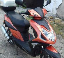продам скутер - Мопеды и скутеры в Джанкое