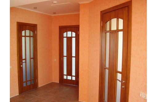 Профессиональная установка межкомнатных дверей, фото — «Реклама Севастополя»