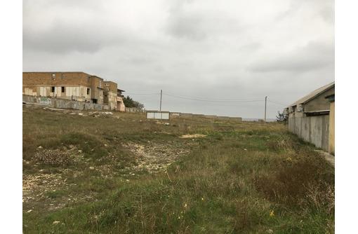Продаётся  2 участка на берегу моря, в пгт. Черноморское - Участки в Черноморском