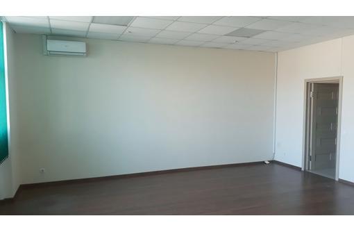 Сдам офис, 42 м, этаж 3/3 тц Московский, фото — «Реклама Севастополя»