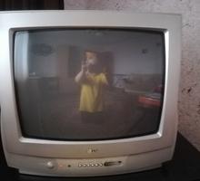 Продаю телевизор LG по диагонали 21дюйм, б/у, в рабочем состоянии - Телевизоры в Севастополе