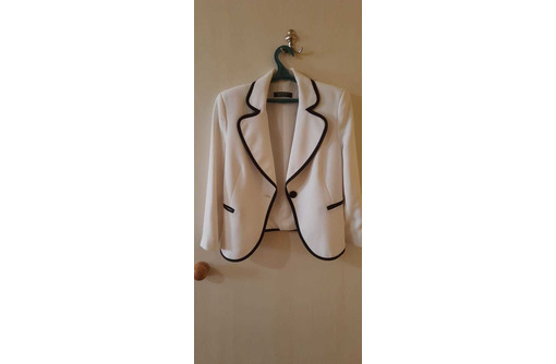 Шикарный пиджак, фото — «Реклама Бахчисарая»