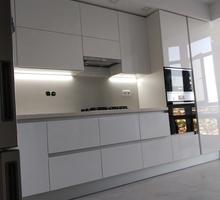 Изготовление кухонных гарнитуров любой сложности. Каменные столешницы, МДФ фасады, премиум техника - Мебель для кухни в Севастополе