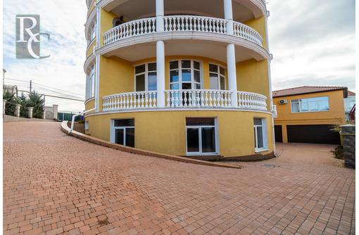 Крупногабаритная квартира в элитном доме на Дмитрия Ульянова 55, фото — «Реклама Севастополя»