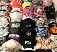 Распродажа зимних теплых шапок и летних бейсболок в ассортименте - Головные уборы в Джанкое