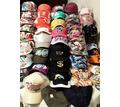 Распродажа зимних теплых шапок и летних бейсболок в ассортименте - Головные уборы в Крыму