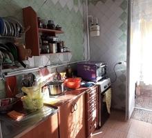 Продам трехкомнатную квартиру в пригороде города Феодосии, поселке Приморский. - Квартиры в Феодосии