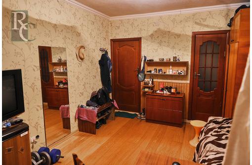 Продается малогабаритная однокомнатная квартира на улице Глухова дом 9., фото — «Реклама Севастополя»