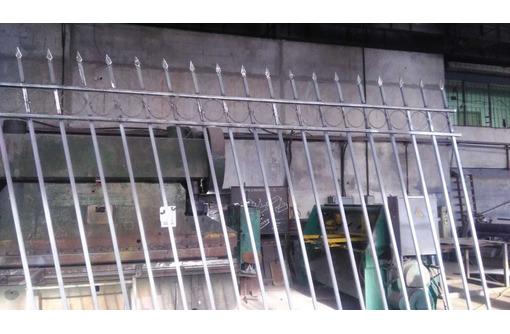 Забор (ограждение) из металлических секций. навесы для машин, ворота, лестницы, ограждения . - Металлические конструкции в Севастополе