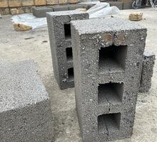 производим и реализуем стеновой камень шлакоблок - Кирпичи, камни, блоки в Феодосии