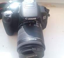 Продам фотоаппарат зеркальный Canon EOS 700D - Цифровые  фотоаппараты в Крыму