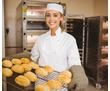 Требуются сотрудники в пекарню: кондитер, пекарь/повар, кассир, фото — «Реклама Севастополя»