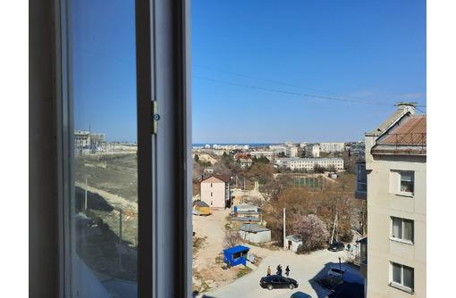 Продам  большую, видовую   на студгородке , Вакуленчука,28 . 85 кв. м. - Квартиры в Севастополе