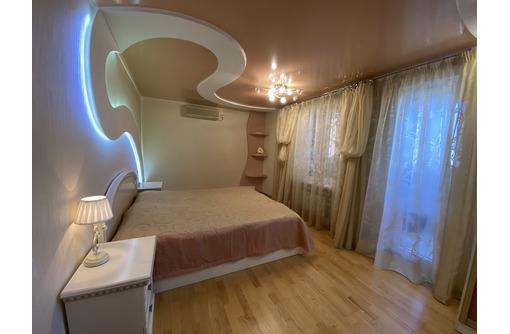 Продам трехкомнатную у моря  севастополя на ул. Астана Кесаева - Квартиры в Севастополе