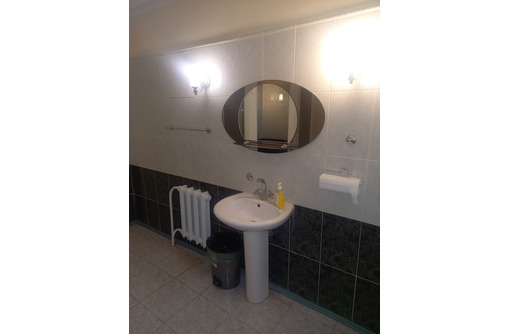 Продается офис 180 м. кв. с отличным ремонтом на ул. Репина 15/1 - Продам в Севастополе
