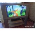 Телевизор 32 дюйма  JVC  D.I.S.T. Interi Art  YV-32P37SUE с столиком. - Телевизоры в Щелкино