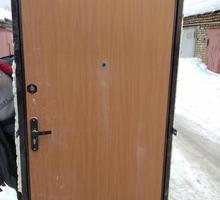 Дверь входная металлическая б/у в хорошем состоянии - Входные двери в Севастополе
