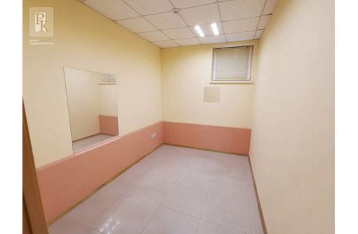 Сдам помещение в крупном спальнике на Кесаева 20., фото — «Реклама Севастополя»