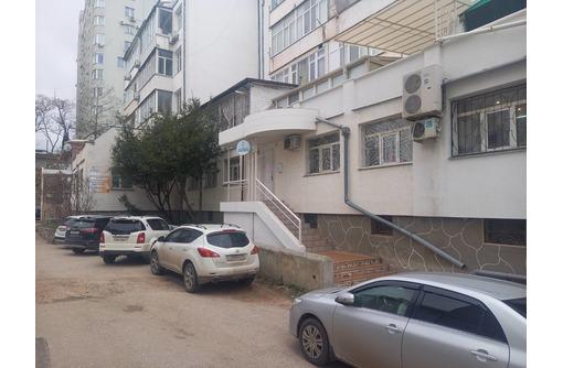 Сдается в аренду кабинет 72 м.кв. на ул. Репина 15/1 - Сдам в Севастополе