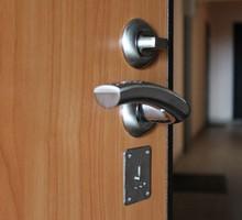 Производим качественную установку межкомнатных дверей - Ремонт, установка окон и дверей в Евпатории