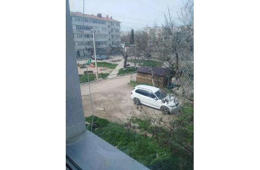 Продается комната в 3-х комнатной коммуналке на ул. Серафимовича (Северная) - Комнаты в Севастополе