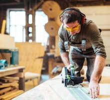 На постоянную работу требуется столяр-мебельщик Ялта - Рабочие специальности, производство в Ялте