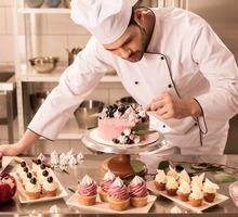 В ресторан на берегу моря территория Z-CITY требуются пекарь-кондитер - Бары / рестораны / общепит в Евпатории