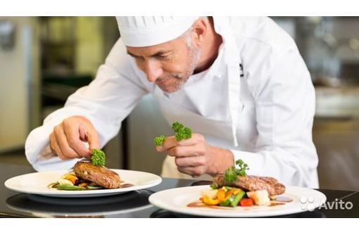 В кафе требуются повар, сушист, заготовщик, кондитер, официант! - Бары / рестораны / общепит в Севастополе