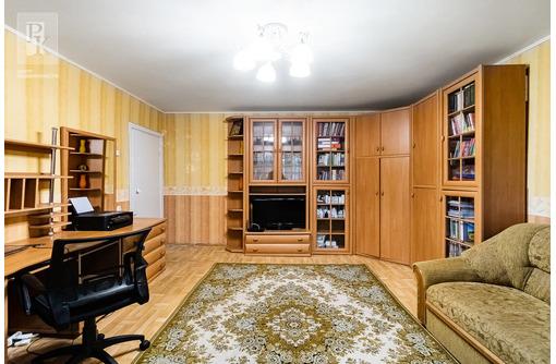Продается двухкомнатная квартира по ул. А.Юмашева, дом  18. - Квартиры в Севастополе