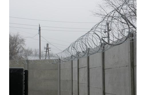 Безопасность и колючая проволока: заграждения Егоза., фото — «Реклама Севастополя»