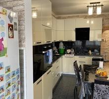 продам 2-комнатную квартиру по улице Училищная новострой Владоград - Квартиры в Симферополе