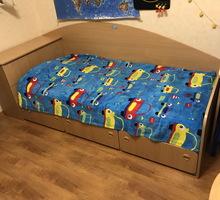 Кровать односпальная 100*240 с ящиками, тумбой + матрас - Мебель для спальни в Севастополе