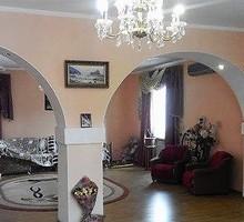 Сдается 3-этажный дом ул. Днепровская, г. Симферополь, 385 кв.м,земельный участок 15 соток. - Аренда домов, коттеджей в Симферополе