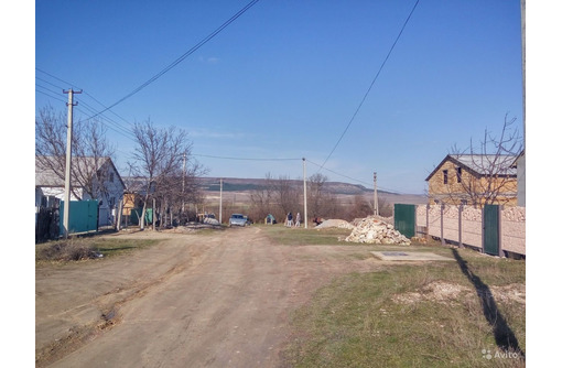 Продам участок 1.1 Га массивом в Холмовке,рядом школа,садик. наличие всех городских коммуникаций. - Участки в Севастополе