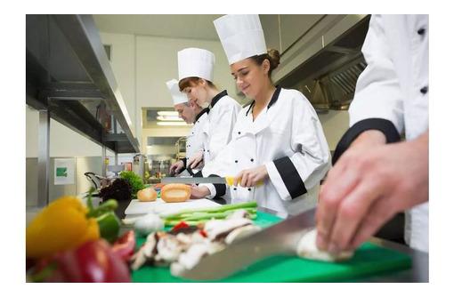 В гостевой дом в пос. Штормовое требуются: горничная, семейная пара, помощник повара - Гостиничный, туристический бизнес в Саках
