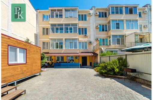Крупногабаритная трёхкомнатная квартира на ул. Багрия д. 75/2 - Квартиры в Севастополе