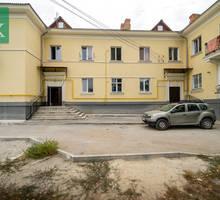 Продается  комната, в трёх комнатной  квартире на северной стороне. - Комнаты в Севастополе