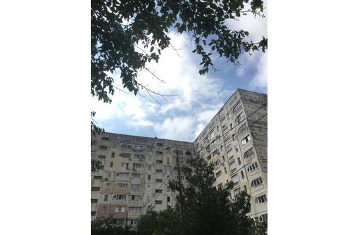 Трехкомнатная улучшенная на Маринеско у сквера - Квартиры в Севастополе