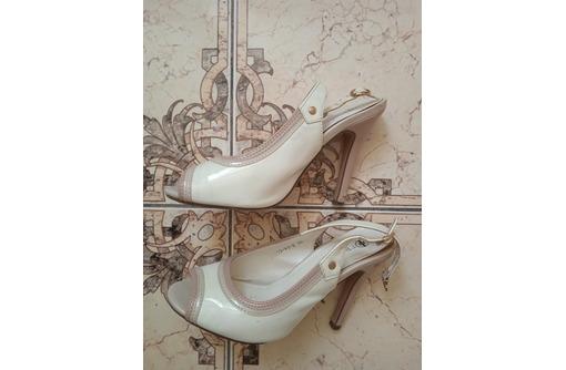 Белые босоножки 36 размер - Женская обувь в Севастополе